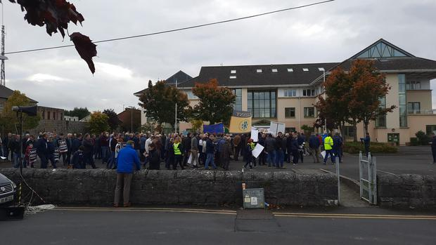 IFA farmers arrived in Portlaoise this afternoon for the third leg of the group's national rally. Photo: IFA